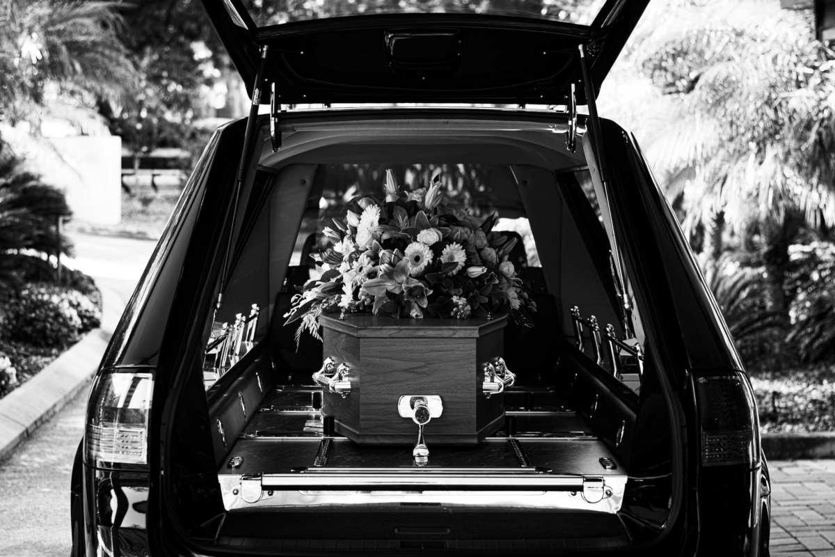 Maniery na pogrzebie Warszawa